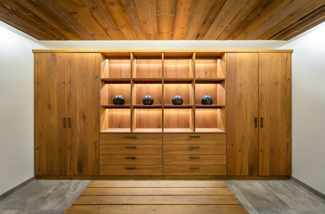 Photo of design ski chalet boot room